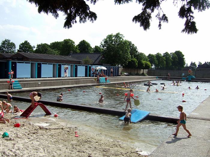 Zwembad Hemrik 2008